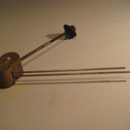 Gong op poot 2 gongs no 7