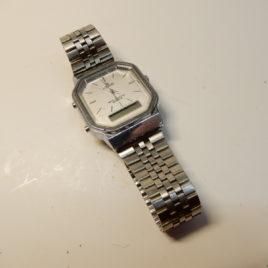 Lorus horloge met digitaal aanduiding n0 78