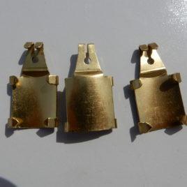 Haakje voor houten of compositie slinger 3 stuks