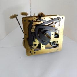 SBS  661 uurwerk  slingerlengte 35 cm no 27